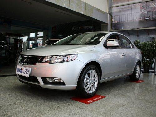 东风悦达起亚  1.6L 自动 车辆左前45度视角