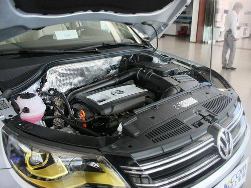 上海大众  途观 1.8TSI MT 发动机主体特写