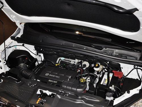 别克  1.4T GL 自动 发动机主体特写