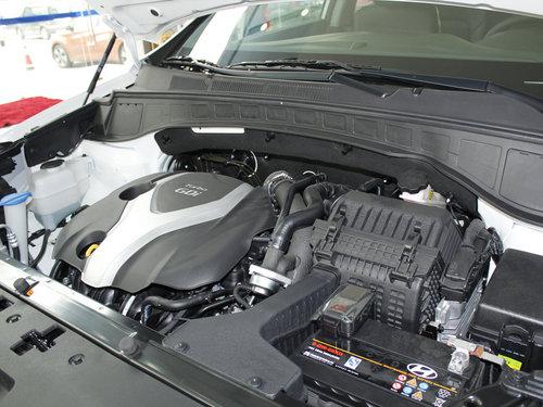 北京现代  2.4L AT 发动机主体特写