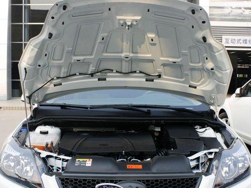长安福特  两厢 1.8L 自动 发动机局部特写