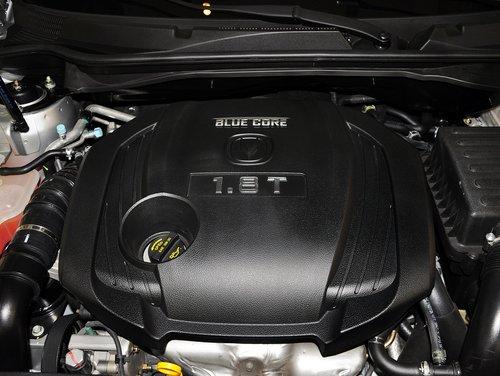 长安乘用车  1.8T 自动 发动机主体特写