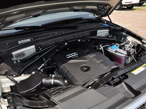 一汽奥迪  40 TFSI quattro 发动机主体特写
