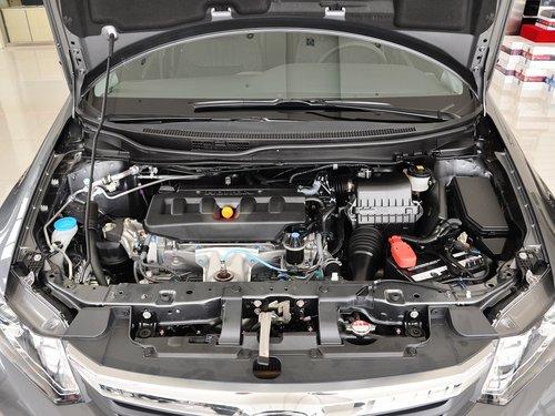 东风本田  1.8L 自动 发动机局部特写