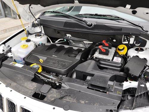 Jeep  2.0L 自动 发动机主体特写