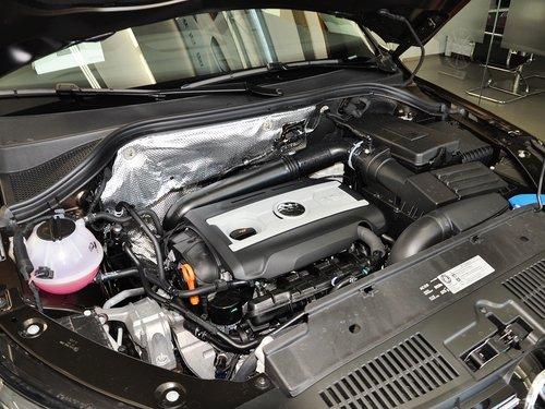 上海大众  1.8TSI 自动 发动机主体特写