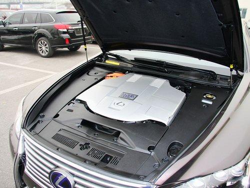 雷克萨斯 600hL 发动机主体特写