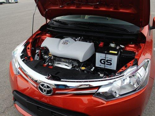 一汽丰田  1.5L 自动 发动机主体特写
