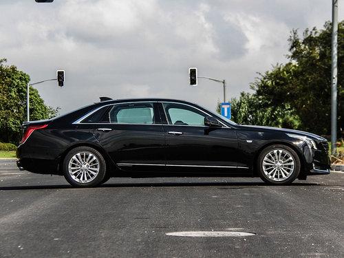 凯迪拉克CT6最高优惠9.8万竞争奔驰E级