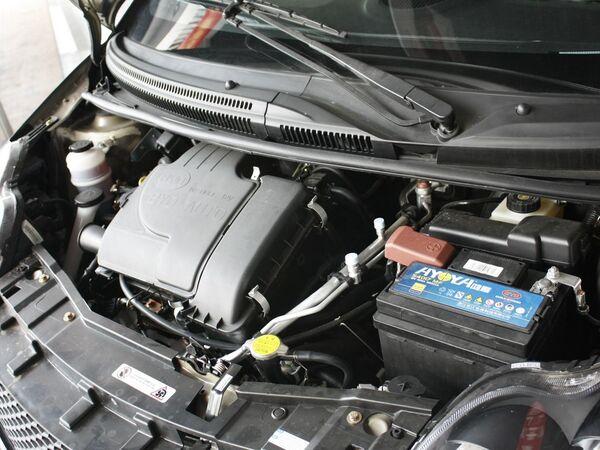 比亚迪  1.0L 手动 发动机主体特写