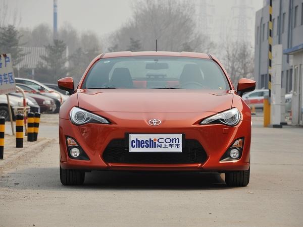 丰田(进口)  2.0L 自动 车头正面视角