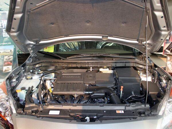 长安马自达  两厢 1.6 自动 发动机局部特写