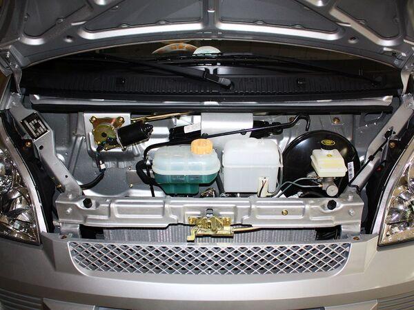 上汽通用五菱  1.2L 手动 发动机局部特写