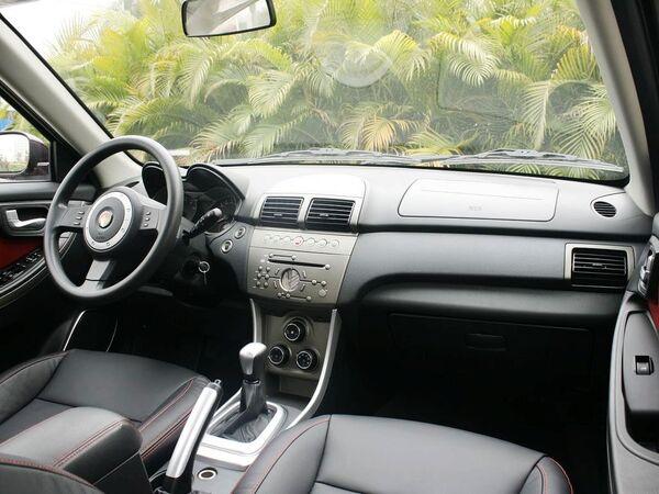 莲花汽车  三厢GT 1.6L 手动 中控台右侧