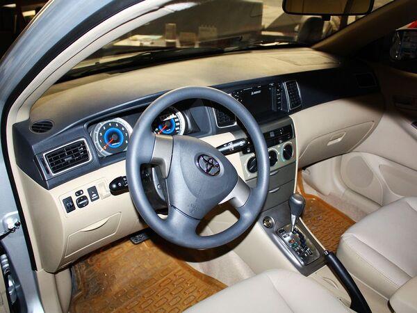 一汽丰田  1.6L 自动 中控台左侧