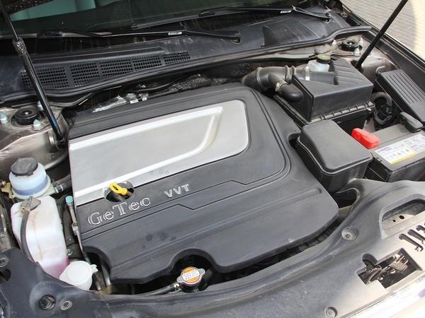 吉利汽车  2.4L 自动 发动机主体特写