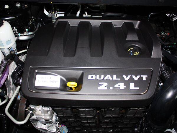 道奇(进口)  2.4L 自动 发动机主体特写