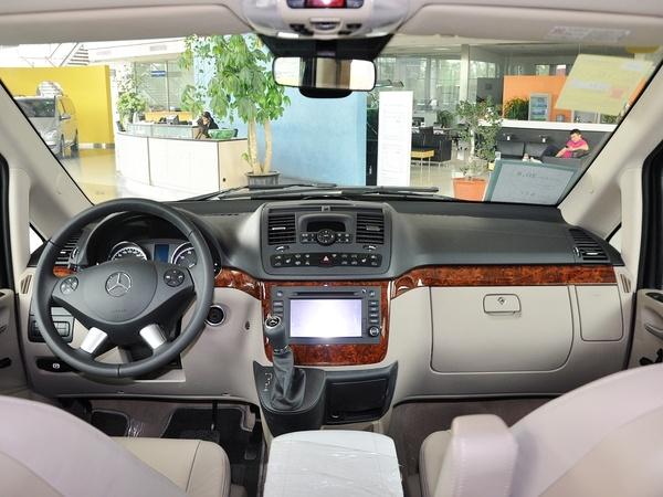 福建奔驰  3.0L 自动 中控台整体
