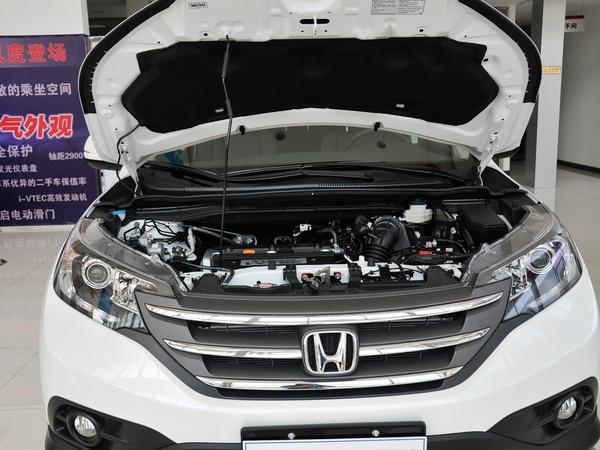 东风本田  2.4L 自动 发动机局部特写
