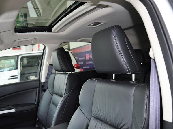 东风本田  2.4L 自动 驾驶席座椅头枕特写