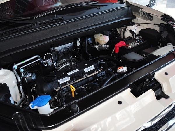 东风悦达起亚  1.6L 自动 发动机主体特写