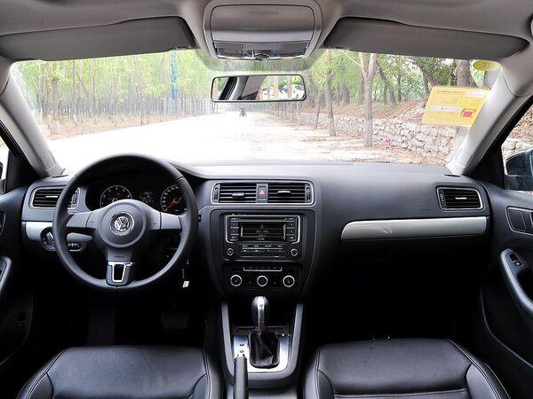 一汽-大众  改款 1.6L 自动 中控台整体