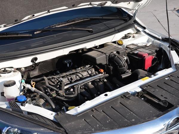 海马汽车  1.5L 手动 发动机主体特写