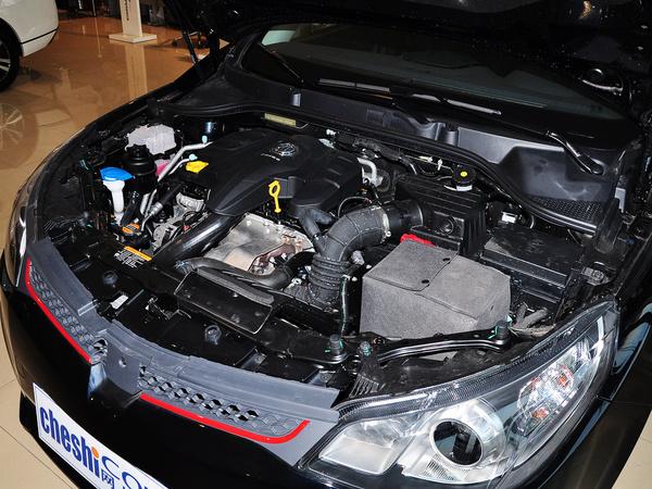 MG  1.5T 自动 发动机主体特写