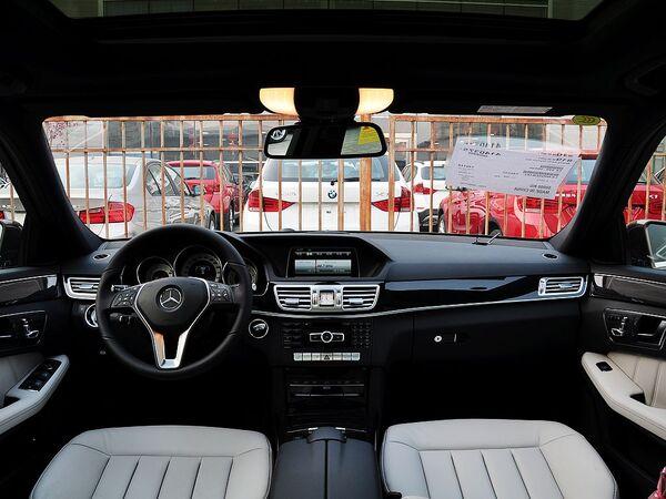 北京奔驰  改款E300L 3.0L 自动 中控台整体