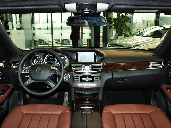 北京奔驰  E260L 1.8T 自动 中控台整体