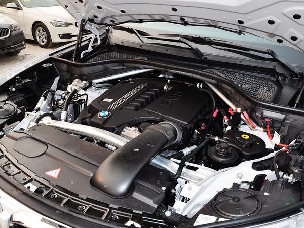 宝马(进口)  xDrive35i 3.0T 自动 发动机主体特写