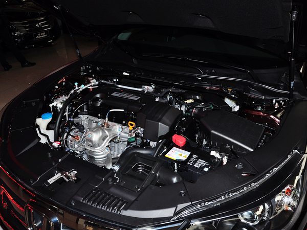 广汽本田  2.4L LX CVT 发动机主体特写