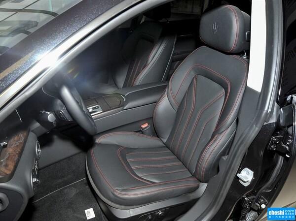 玛莎拉蒂  3.0T 驾驶席座椅正视图