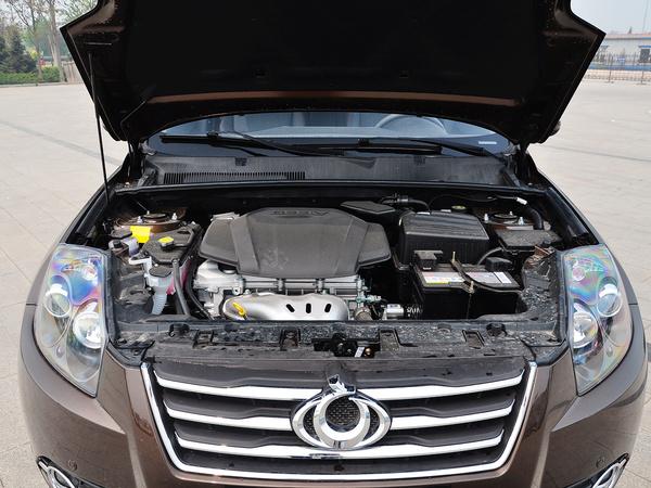 吉利汽车  2.4L 自动 发动机局部特写