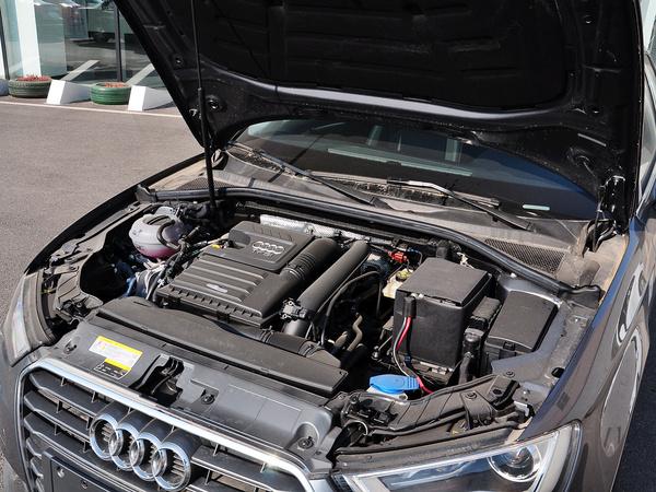一汽奥迪  Sportback 35TFSI 发动机主体特写
