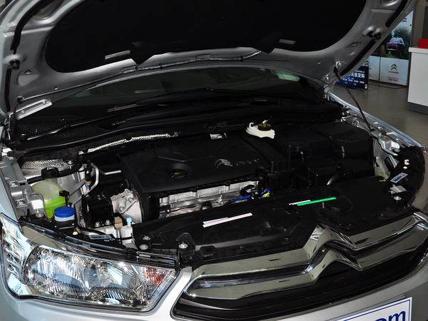 东风雪铁龙  VTS版 1.6L 自动 发动机局部特写