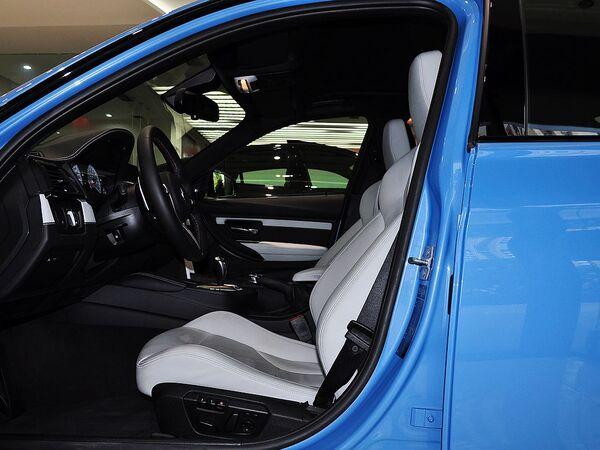 宝马M  3.0T 驾驶席座椅正视图