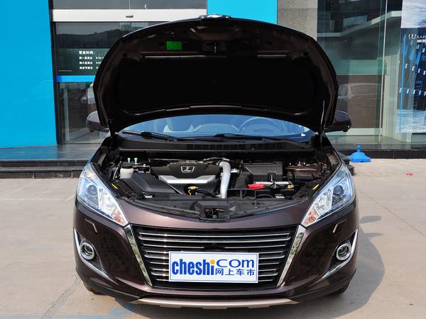 东风裕隆  2.0T 自动 车辆发动机舱整体