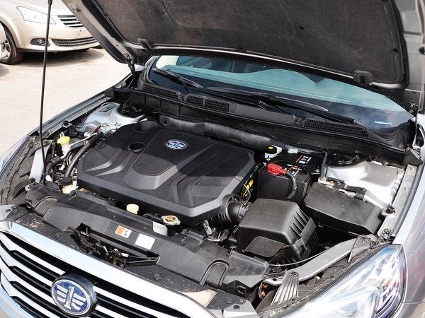 一汽奔腾  1.8T 自动 发动机主体特写