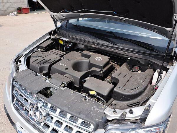 长安商用车  1.5L 发动机主体特写