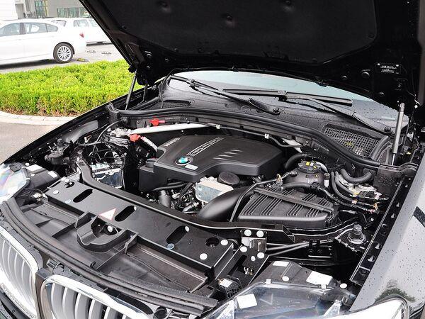 宝马(进口)  xDrive28i 发动机主体特写