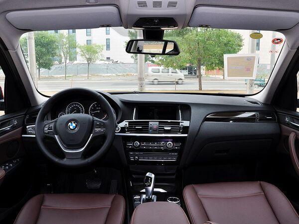 宝马(进口)  xDrive20i 中控台整体
