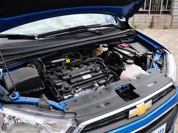 雪佛兰  三厢 1.4SL 手动 发动机主体特写