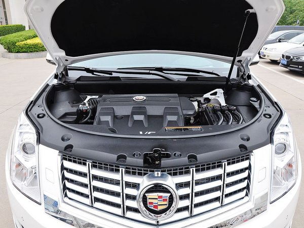 凯迪拉克(进口)  66号公路升级版 发动机局部特写