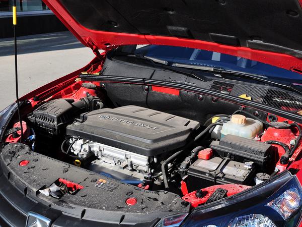宝骏汽车  CROSS 1.5L 手动 发动机主体特写