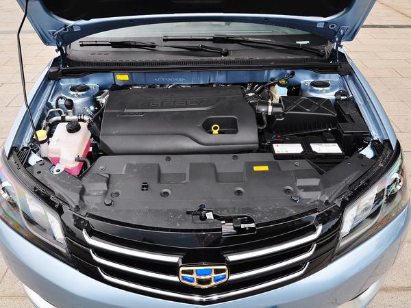吉利汽车  三厢 1.3T CVT 发动机局部特写