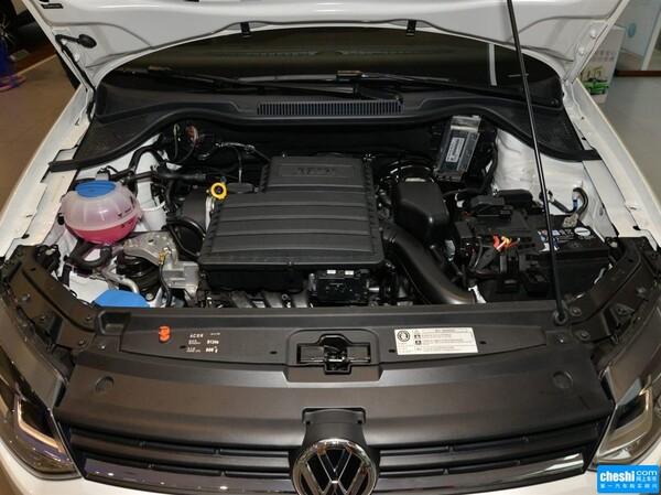 上汽大众  1.6L 自动 发动机局部特写