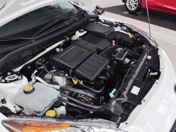 长安马自达  三厢1.6L 自动 发动机主体特写