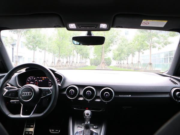 奥迪(进口)  TT Coupe 中控台整体