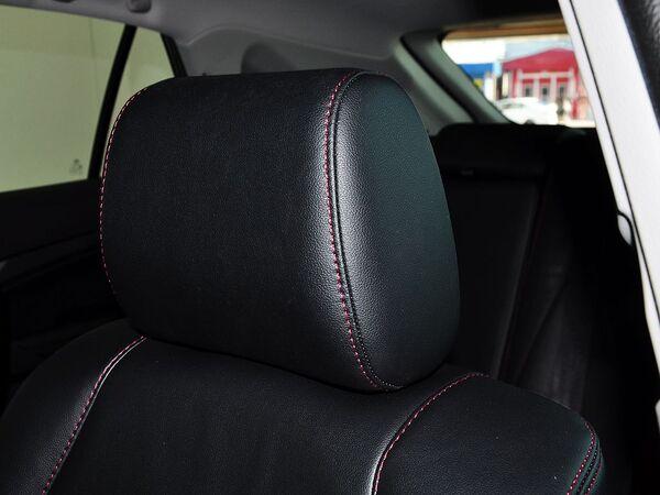 比亚迪  2.0T 自动 驾驶席座椅头枕特写